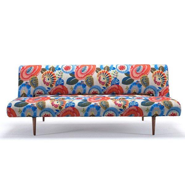 Sofa rozkładana Unfurl Wild Flower duńskiej marki Innovation. Wymiary 200×93 cm, wysokość 84 cm, waga 47 kg. Rama MDF. www.bonami.pl