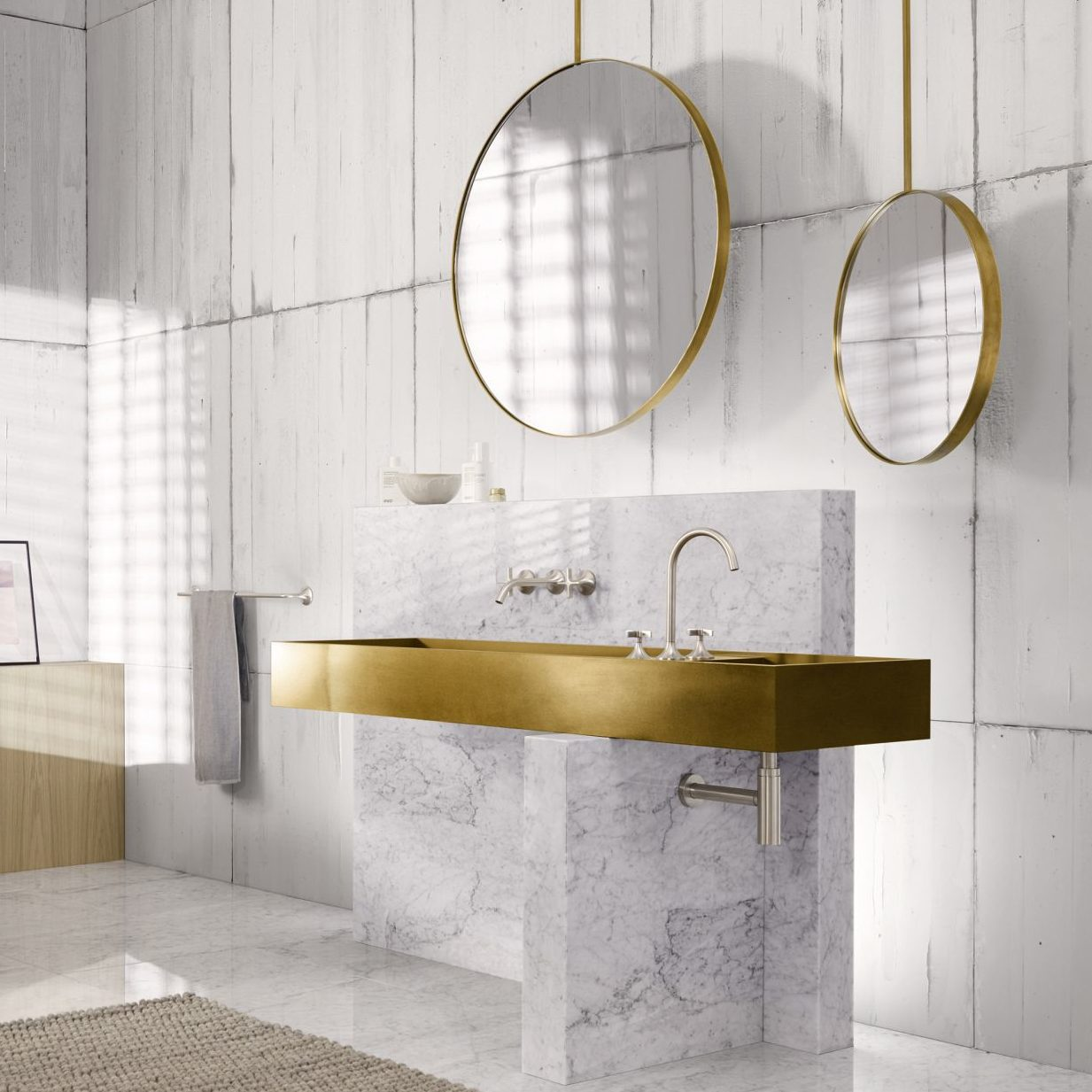 Lustra Design Mirrors z oświetleniem marki Alape. Możliwość regulacji natężenia światła. Lustra posiadają funkcję zapamiętywania ostatniego ustawienia natężenia światła. Dostępne w wersji okrągłej i prostokątnej. Projekt Sieger Design. Cena od ok. 4 250 zł. Na zdjęciu widoczna również armatura Vaia od Dornbracht. www.alape.com, www.dornbracht.com/pl