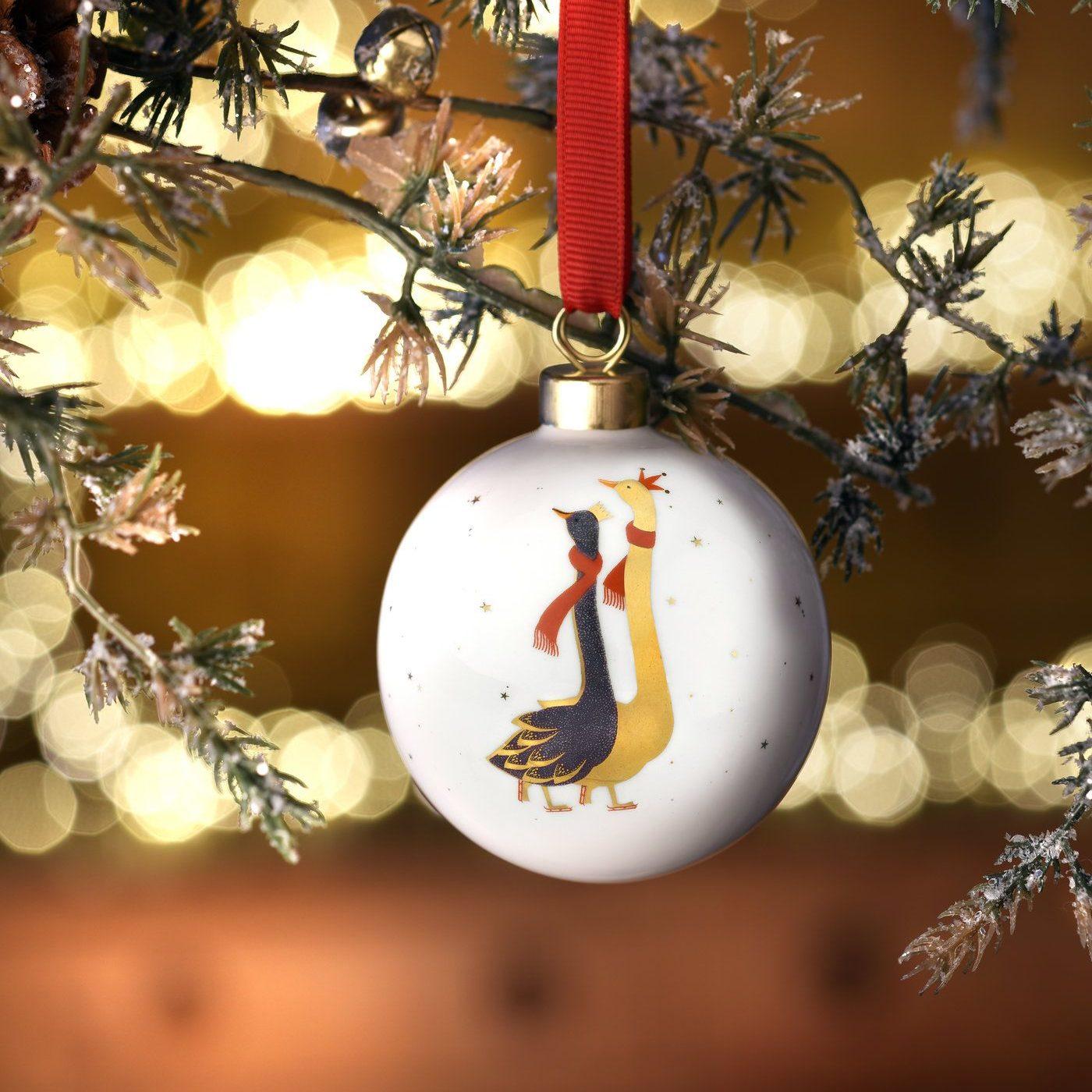 Bombka z chińskiej porcelany. Cena 9,95 £. www.annabeljames.co.uk