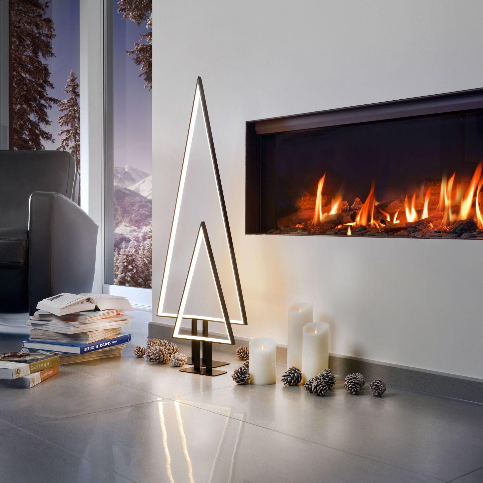 Stalowa choinka z oświetleniem LED. Cena 105 EUR. www.einrichten-design.de