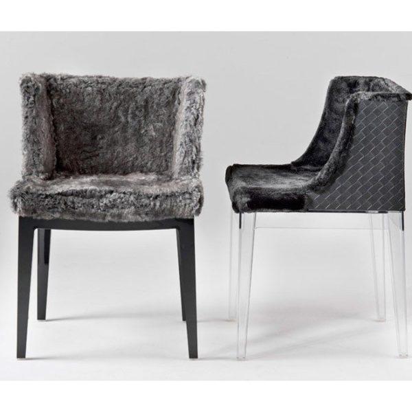 Krzesło Mademoiselle tapicerowane sztucznym futrem powstało przy współpracy Philippe Starcka z Lennym Kravitzem dla marki Kartell. Cena 3 650 zł. www.fabrykaform.pl