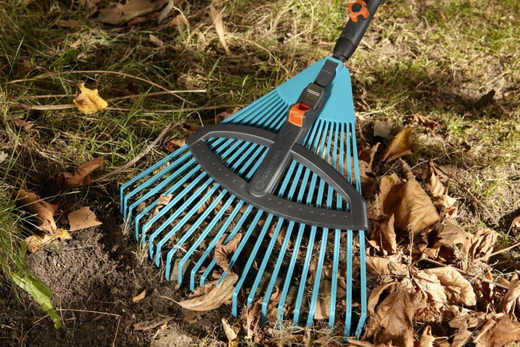 narzędzia do jesiennych prac w ogrodzie