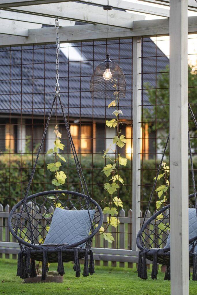 huśtawki ogrodowe