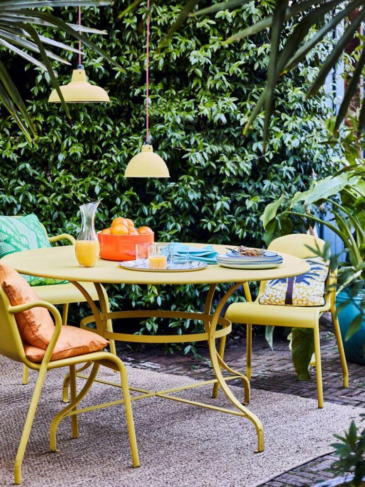 jak pomalować meble ogrodowe