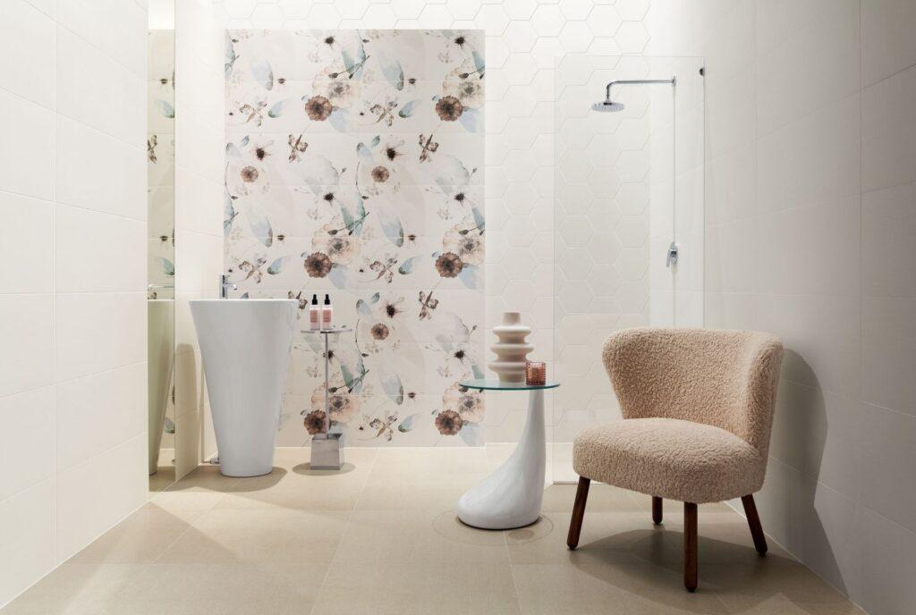 płytki łazienkowe w kwiaty